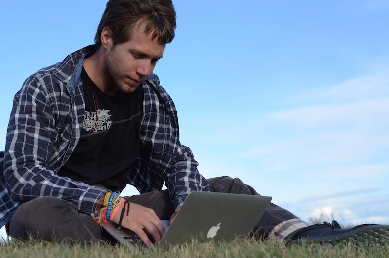 Digitální nomádi pracují na svých cestách